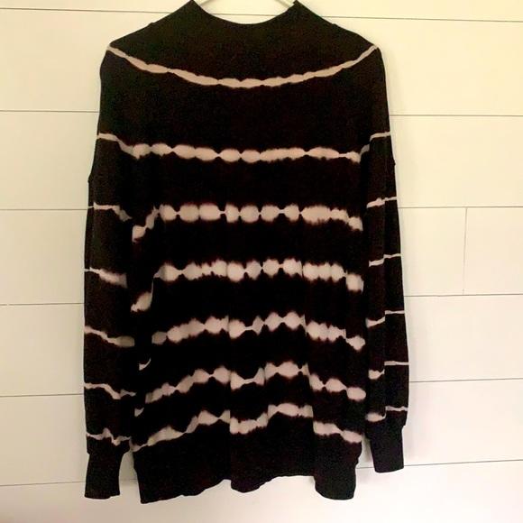 Wild Fable size Large Sweatshirt.